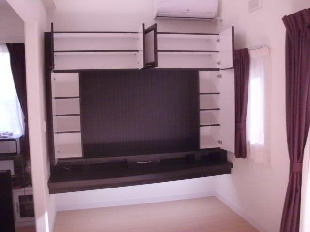 壁面TV台収納4