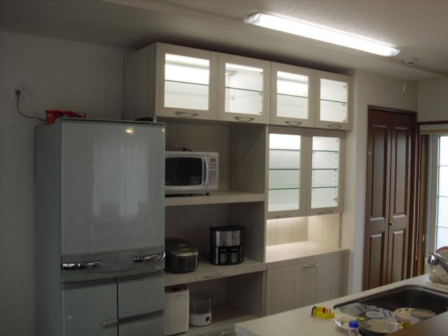食器棚10