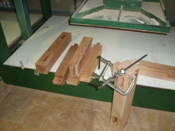 栃(トチ)無垢一枚板ダイニングテーブル1
