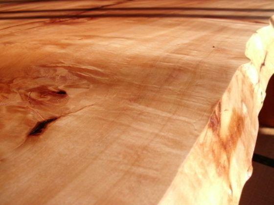 栃(トチ)無垢一枚板ダイニングテーブル6
