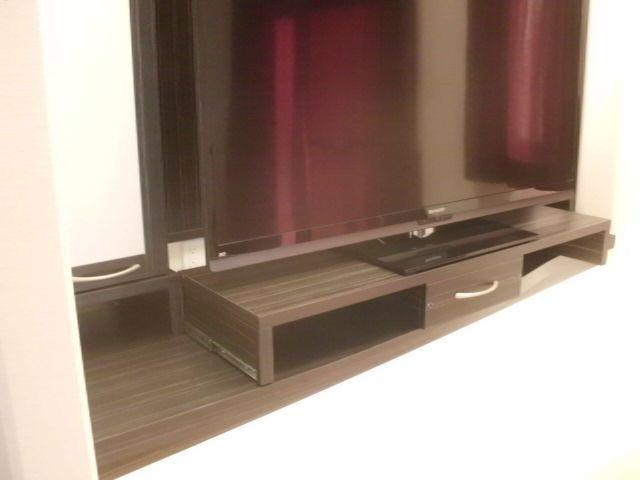 壁面TV収納5